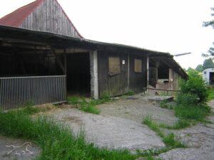 Die alte baufällige Scheune